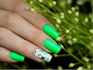 Что такое флуоресцентный лак для ногтей и как им пользоваться?