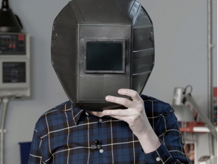 Лучшая сварочная маска: какая она?