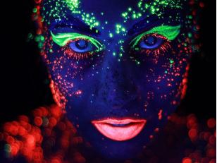 Принцип флуоресценции, виды и особенности флуоресцентных красок
