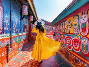 Как правильно красить стены аэрозольными красками