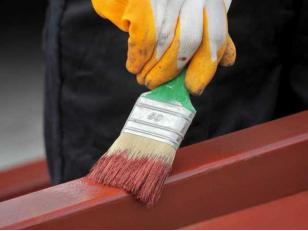 Что такое морозостойкая краска, как найти подходящую и покрасить металл зимой