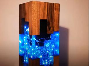 Ночник из эпоксидной смолы с двойным свечением: электрическая и люминофорная лампа