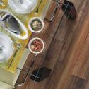 Что лучше положить на кухне: линолеум или плитку?