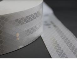 Лента светоотражающая 3М Diamond Grade 997-10 54мм/50м белая для маркировки тентов - изображение 2 - интернет-магазин tricolor.com.ua