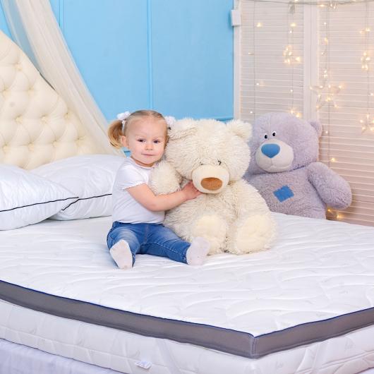 Тонкий матрас Family Sleep Top Air Cocos 160х190 с резинками-фиксаторами - изображение 2 - интернет-магазин tricolor.com.ua