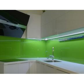 Кухонный фартук из стекла с покраской в 1 цвет