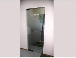 Купить Дверь маятниковая с доводчиком 1 - 5