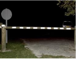 Светоотражающая краска для деревянных поверхностей NoxTon красная - изображение 3 - интернет-магазин tricolor.com.ua