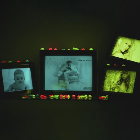 Светящаяся люминесцентная бумага А4 AcmeLight зеленое свечение - изображение 3 - интернет-магазин tricolor.com.ua